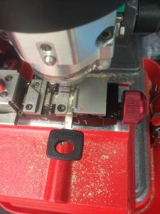cutting mercedes high security key